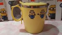 ㊣Minion 壞蛋獎門人 迷你兵團 卡通單耳有蓋鋼杯300ML20161126G廚房用品