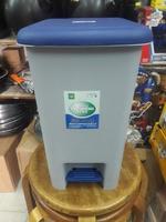 家居形腳踏垃圾桶(21x37cm高271217)