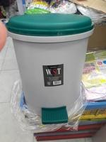 W.S.T 腳踏細圓形垃圾桶/附手挽內膽/(約29x32.5cm高)171217