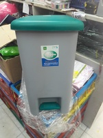 家居形腳踏垃圾桶(34X25.5X42.5cm高271217)A