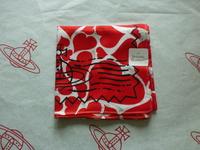 全新Vivienne Westwood紅色心心郵Chop Logo手巾