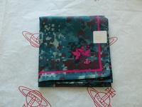 全新Vivienne Westwood綠色心心飛鳥Logo手巾
